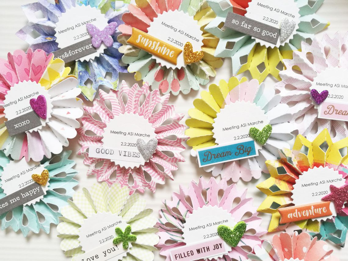 Little gifts for a scrapbooking crop: wreath magnets