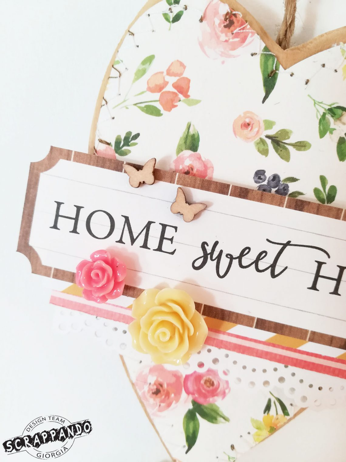 Scrappando – home decor: wood and paper heart